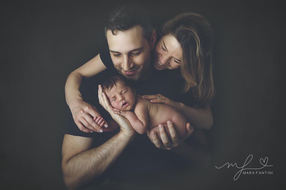 servizio fotografico  neonato domicilio  famiglia roma mara fantini